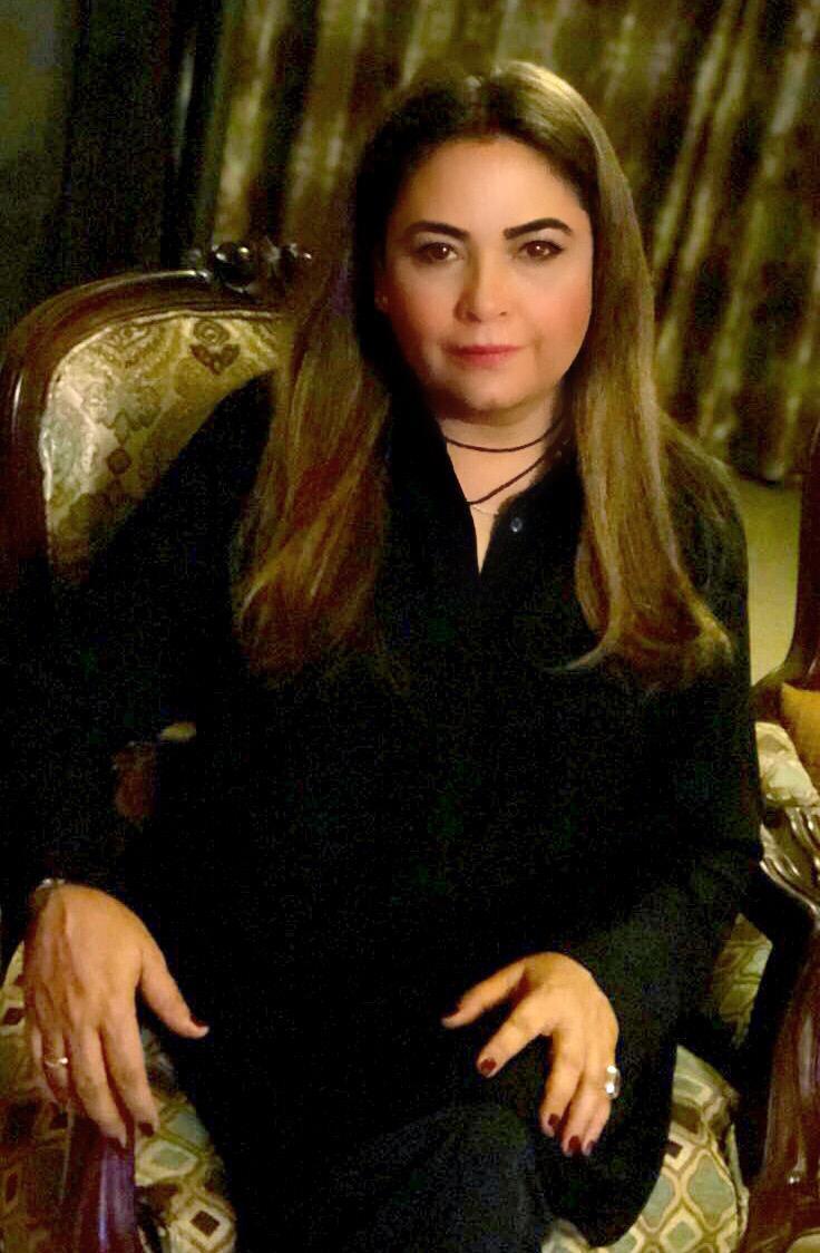 Salina Pirzada, Tarot Card Reader